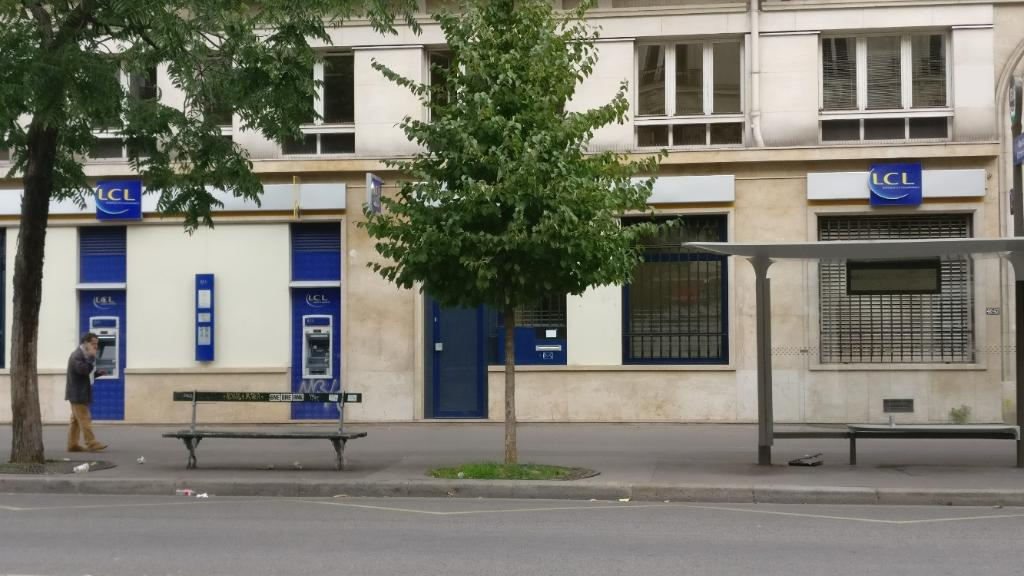 Lcl banque et assurance banque 45 boulevard voltaire for Garage oberkampf parking