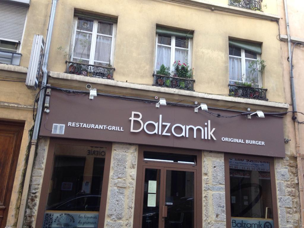 le balzamik restaurant 7 rue coste 69300 caluire et cuire adresse horaire. Black Bedroom Furniture Sets. Home Design Ideas