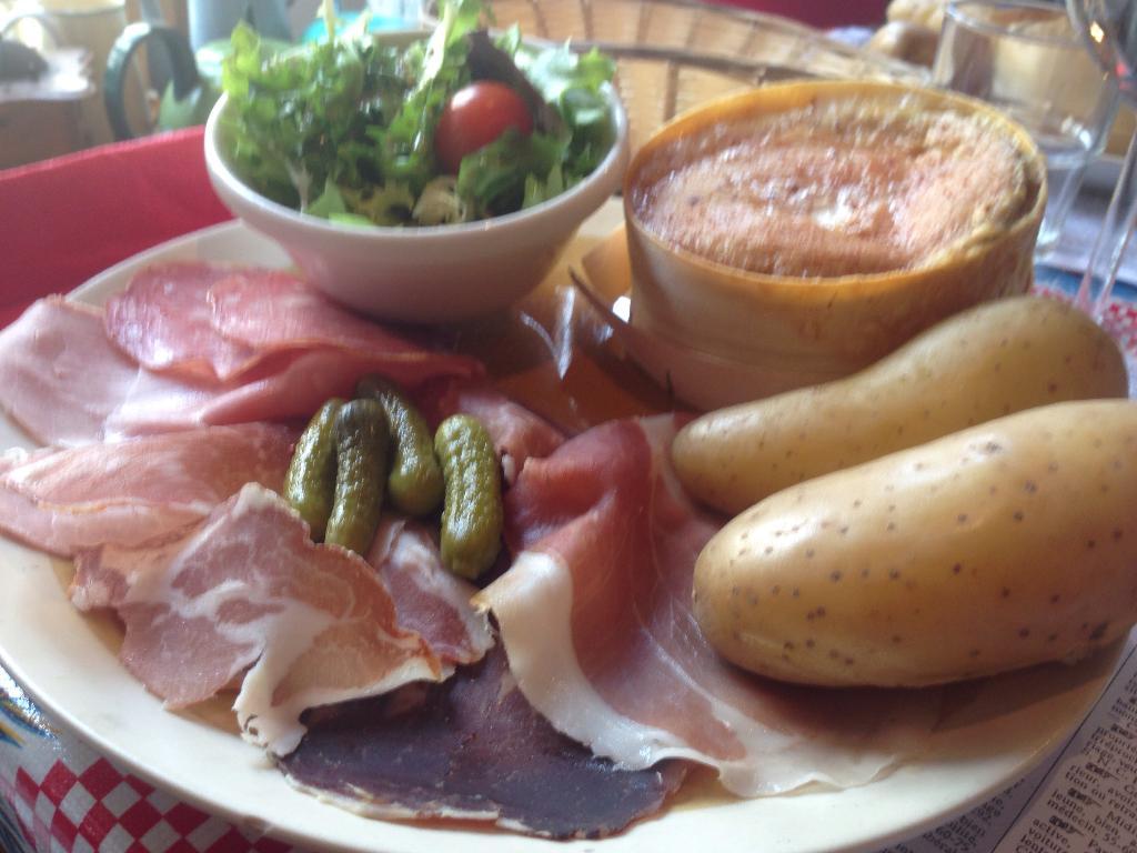 Le bastringue restaurant 3 rue ile 74000 annecy adresse horaire - Le bastringue annecy ...