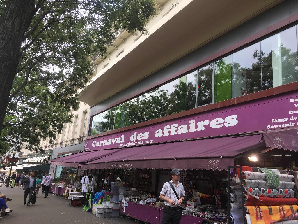 Le carnaval des affaires linge de maison 30 boulevard poissonni re 75009 paris adresse horaire - Linge de maison paris ...