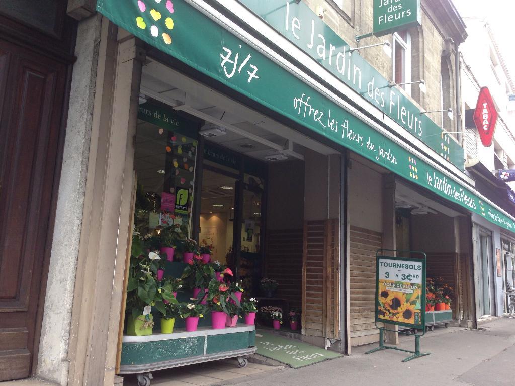 le jardin des fleurs fleuriste 13 route de toulouse 33000 bordeaux adresse horaire. Black Bedroom Furniture Sets. Home Design Ideas