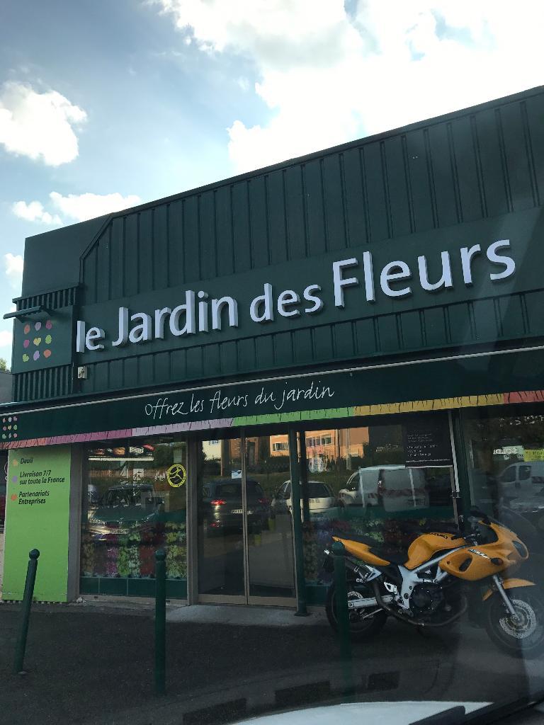 Le Jardin Des Fleurs Fleuriste 2 Rue Pave 69410 Champagne Au Mont