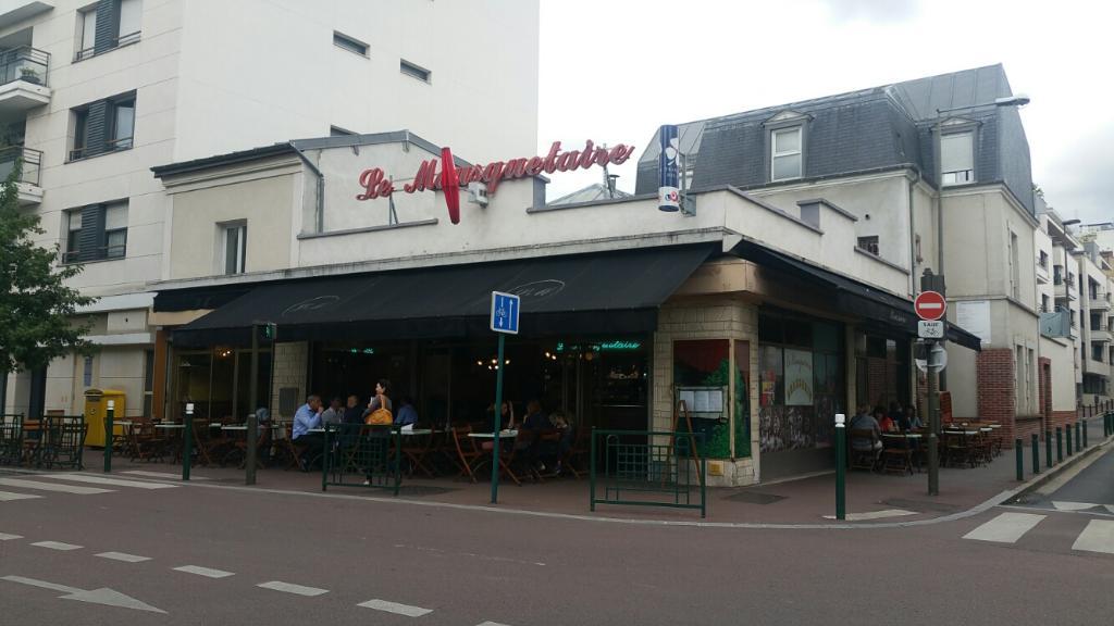 Bar Cafe A Suresnes