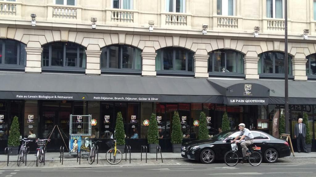le pain quotidien restaurant 108 rue saint lazare 75008. Black Bedroom Furniture Sets. Home Design Ideas