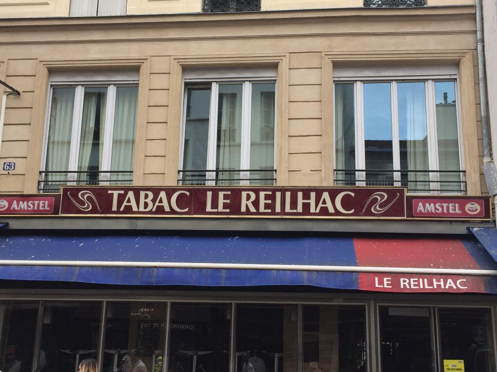 Le reilhac caf bar 63 rue faubourg saint denis 75010 - Les bains d orient 75010 ...