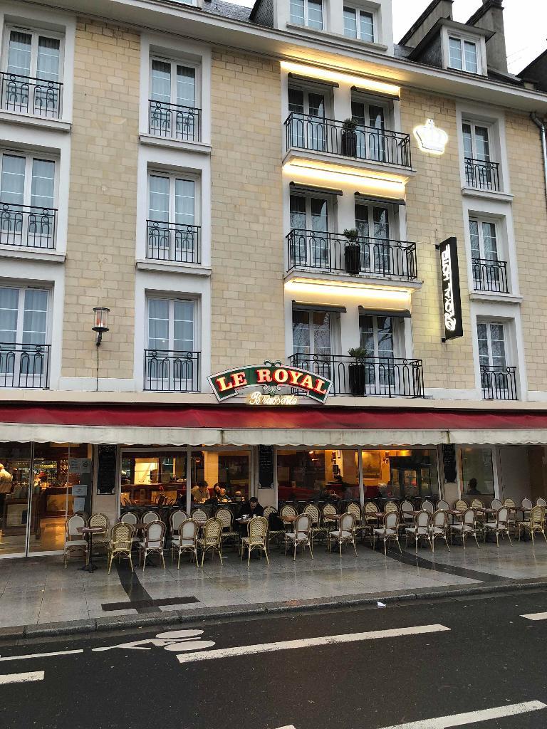 le royal brasserie caf bar 3 place de la r publique 14000 caen adresse horaire. Black Bedroom Furniture Sets. Home Design Ideas