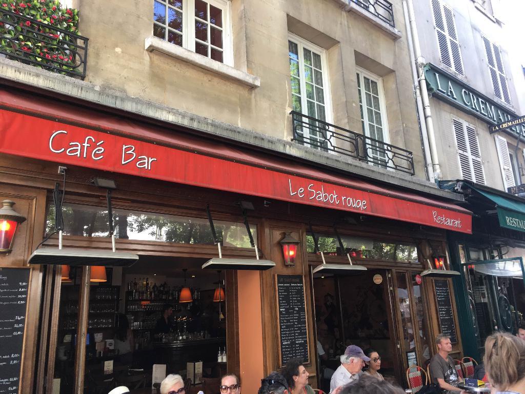 Restaurant Le Relais Rue Lamarck Paris