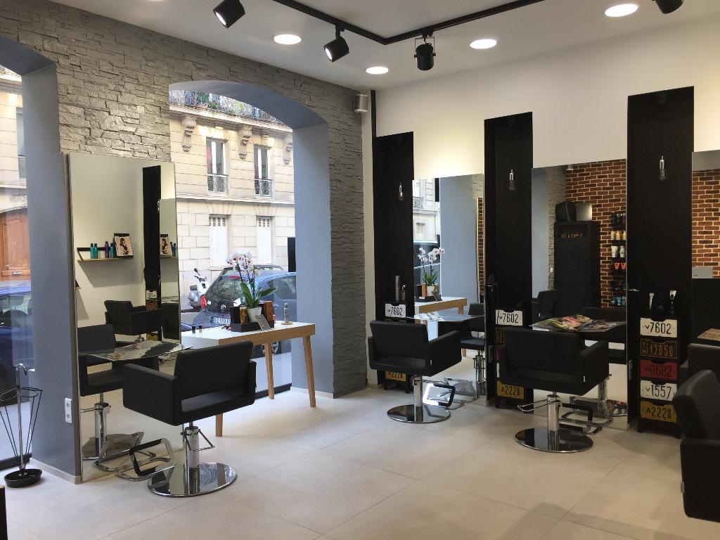 Le salon by la terrasse coiffeur 18 rue de tocqueville for Salon de coiffure paris 18
