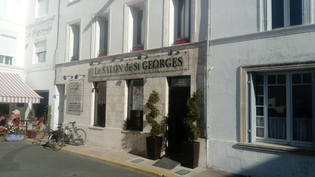 Le salon de saint georges coiffeur 13 place michelet - Salon de coiffure saint georges ...