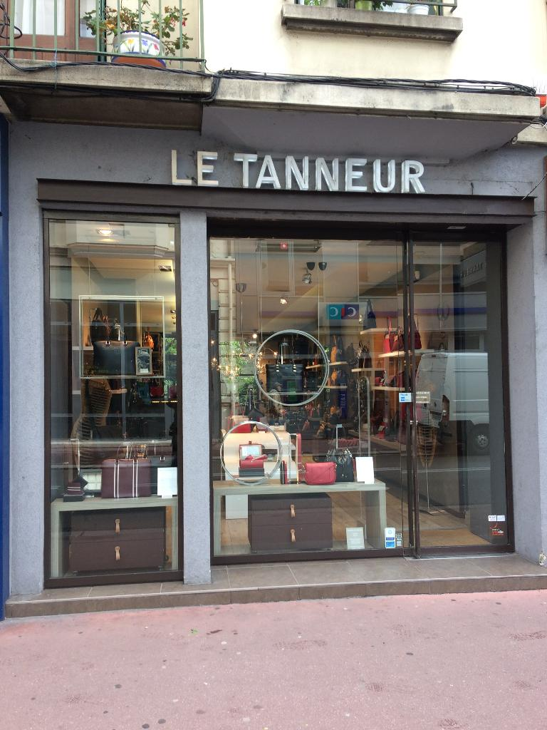 Le tanneur maroquinerie 27 rue vaugelas 74000 annecy for Maison moderne 74000
