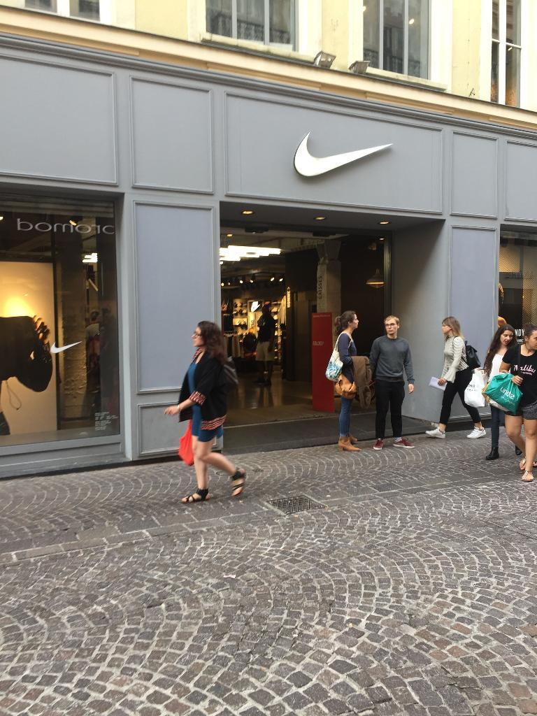 boutique nike a lille