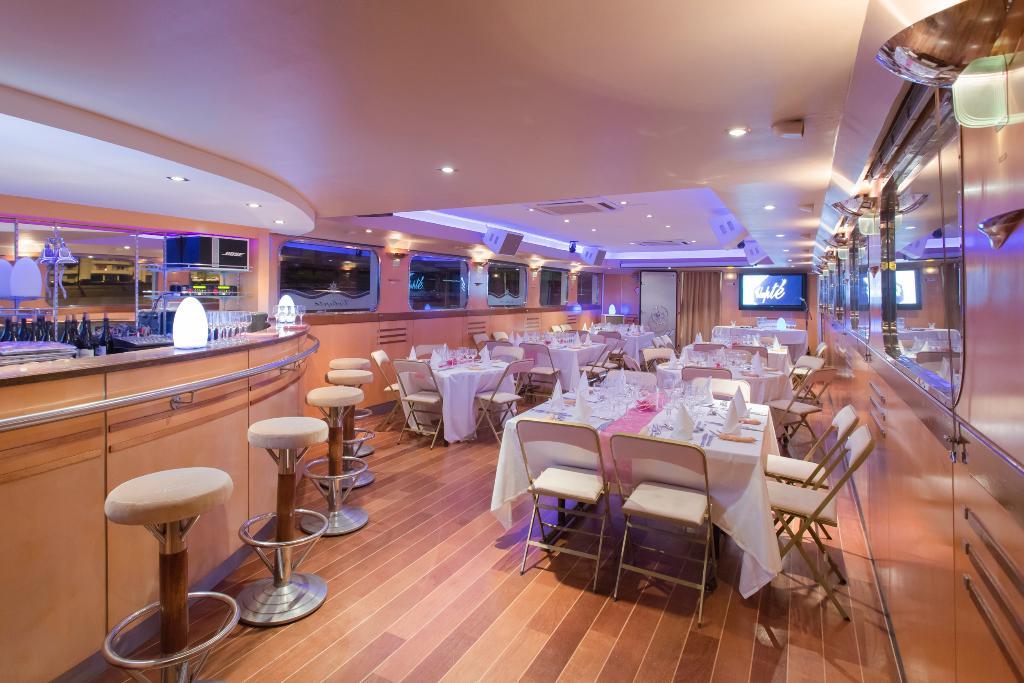 les yachts de lyon croisi res 12 quai rambaud 69002 lyon adresse horaire. Black Bedroom Furniture Sets. Home Design Ideas