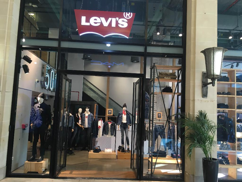 levi 39 s store paris champs elys es v tements sportswear 76 avenue champs elys es 75008 paris. Black Bedroom Furniture Sets. Home Design Ideas
