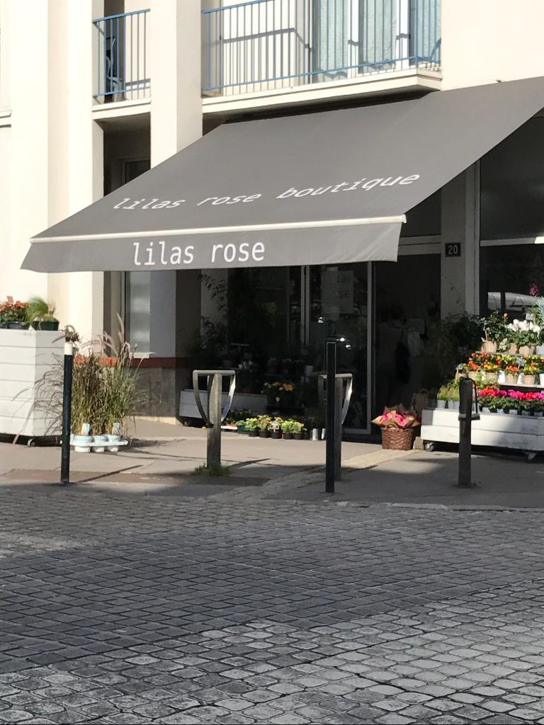 Lilas rose fleuriste 20 place viarme 44000 nantes for Adresse fleuriste
