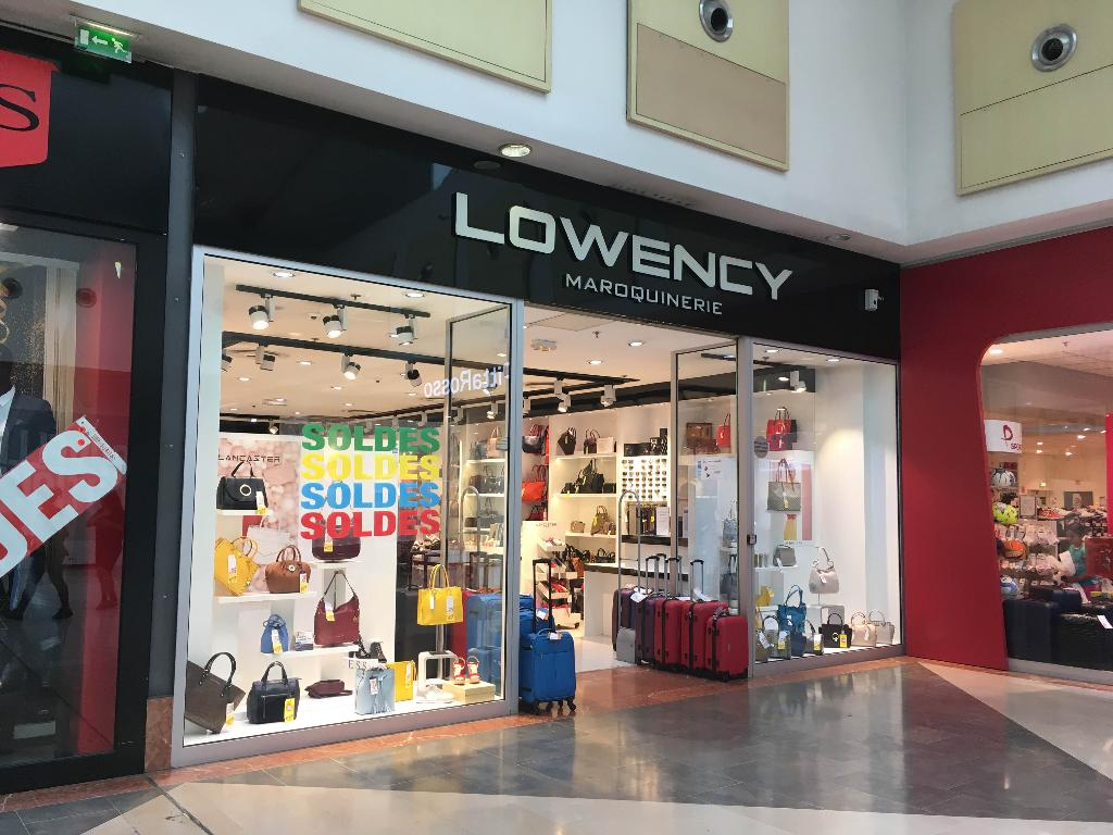 Lowency 95 maroquinerie centre commercial c t seine for Garage sda argenteuil