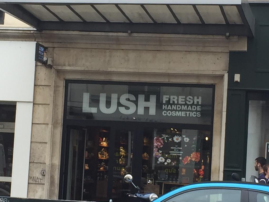 lush france parfumerie 50 rue du faubourg saint antoine. Black Bedroom Furniture Sets. Home Design Ideas