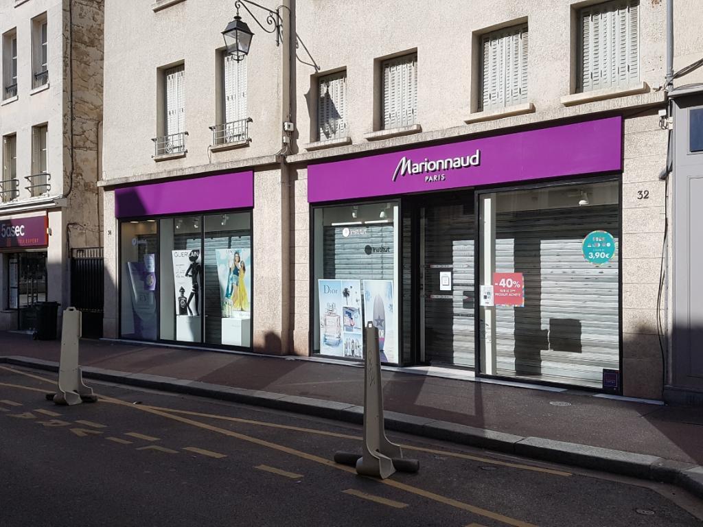 Lvmh fragrance brands parfumerie 22 rue poissy 78100 - Piscine st germain en laye horaires ...