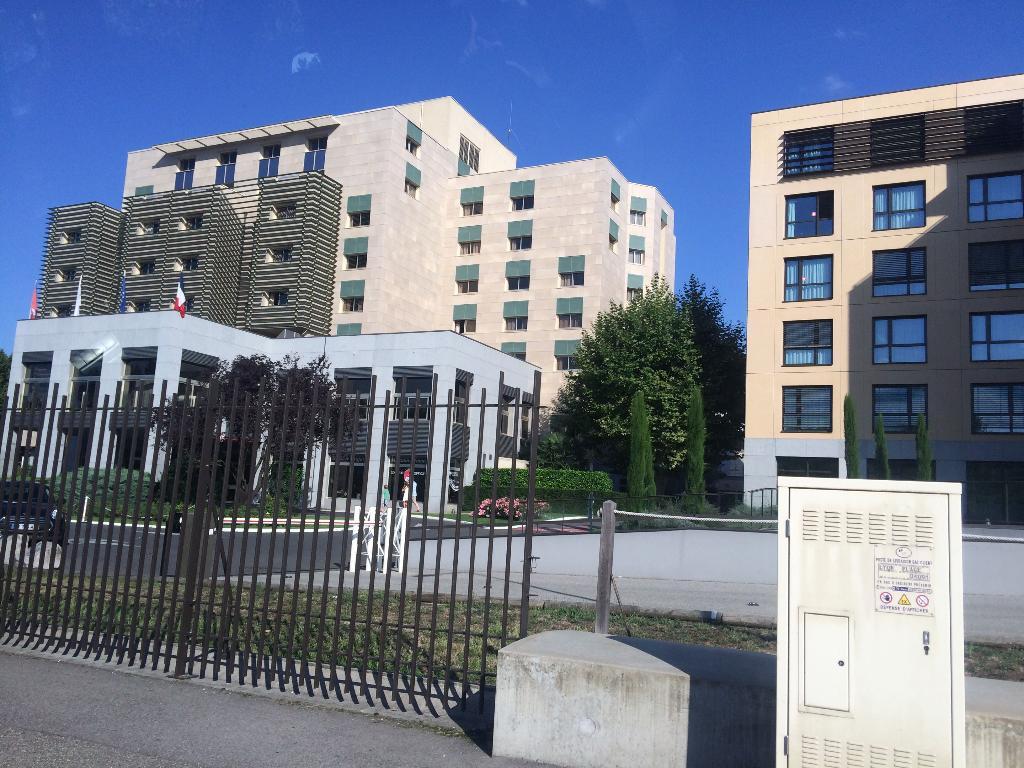 lyon plage institut de beaut 84 quai joseph gillet 69004 lyon adresse horaire. Black Bedroom Furniture Sets. Home Design Ideas