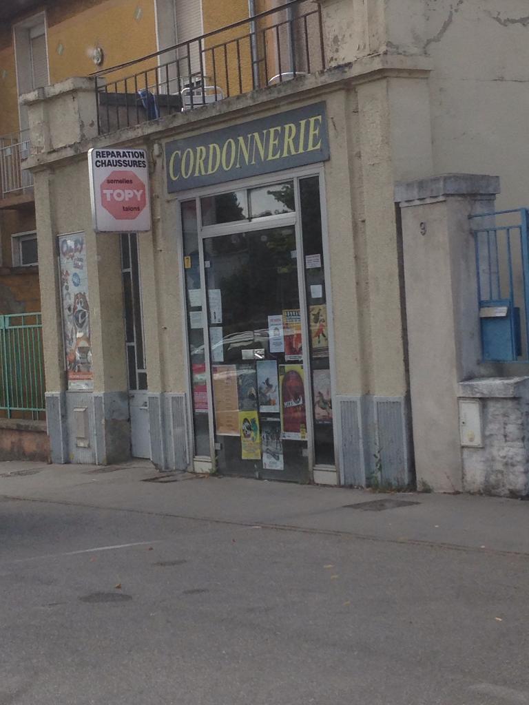 Follet olivier cordonnier 7 avenue lib ration 54520 for Garage automobile laxou