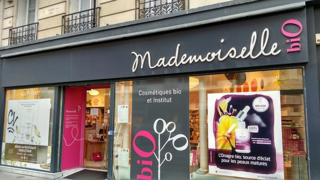 mademoiselle bio magasin de cosm tiques 35 rue du poteau 75018 paris adresse horaire. Black Bedroom Furniture Sets. Home Design Ideas