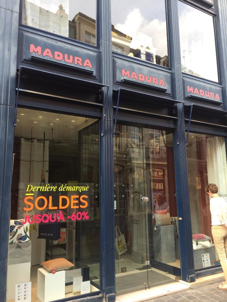 madura rideaux voilages et tissus d 39 ameublement 20 rue esquermoise 59000 lille adresse. Black Bedroom Furniture Sets. Home Design Ideas