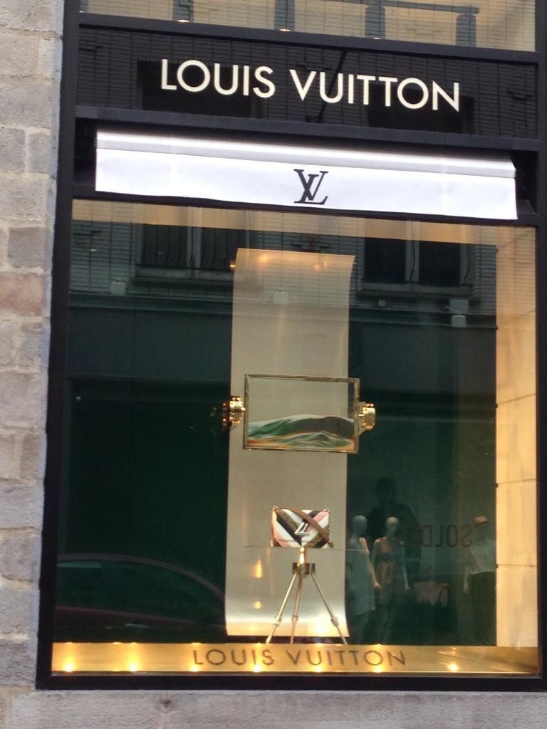 d455d11193d5 Magasin Louis Vuitton - Maroquinerie, 29 rue Grande Chaussée 59000 ...