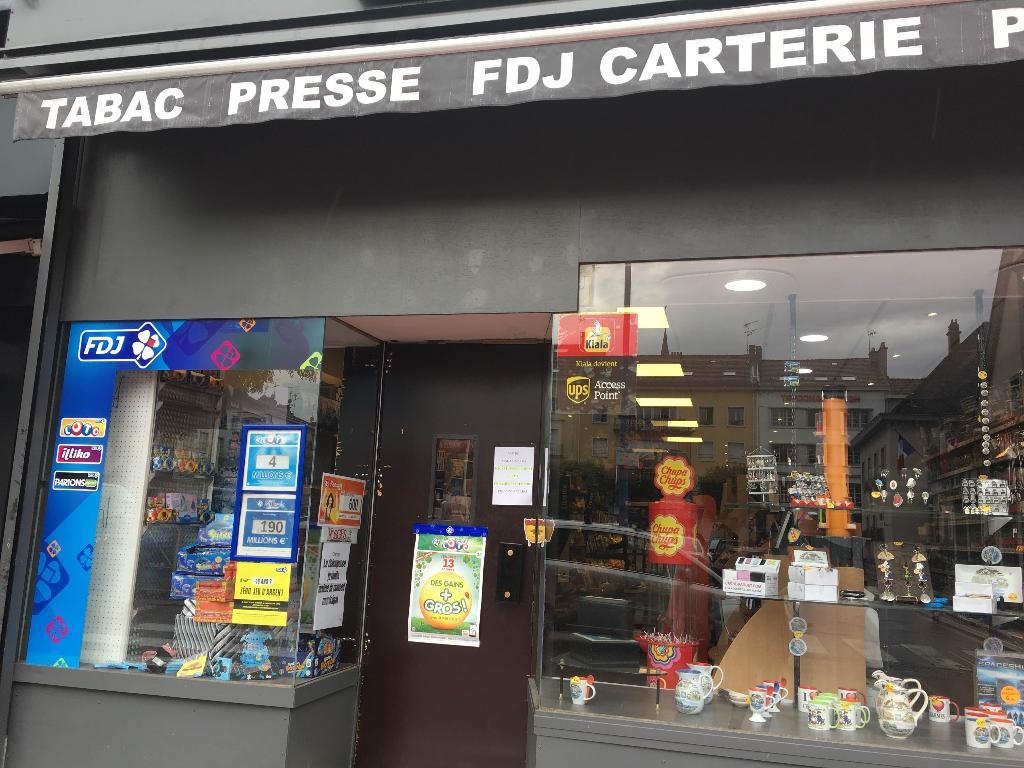 Maison de la presse de charmes bureau de tabac place henri