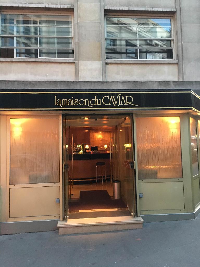 La maison du caviar restaurant 21 rue quentin bauchart for La maison du cafe paris