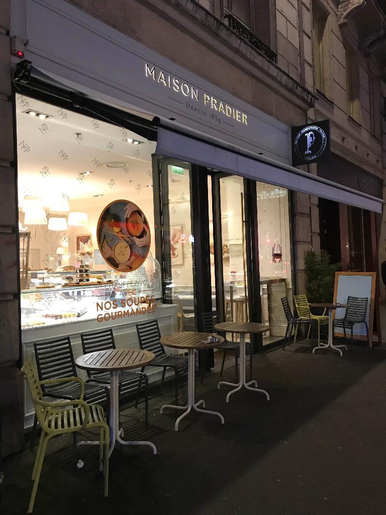 Maison pradier saint lazare restaurant 107 rue saint lazare 75009 paris adresse horaire - Restaurant gare saint lazare ...