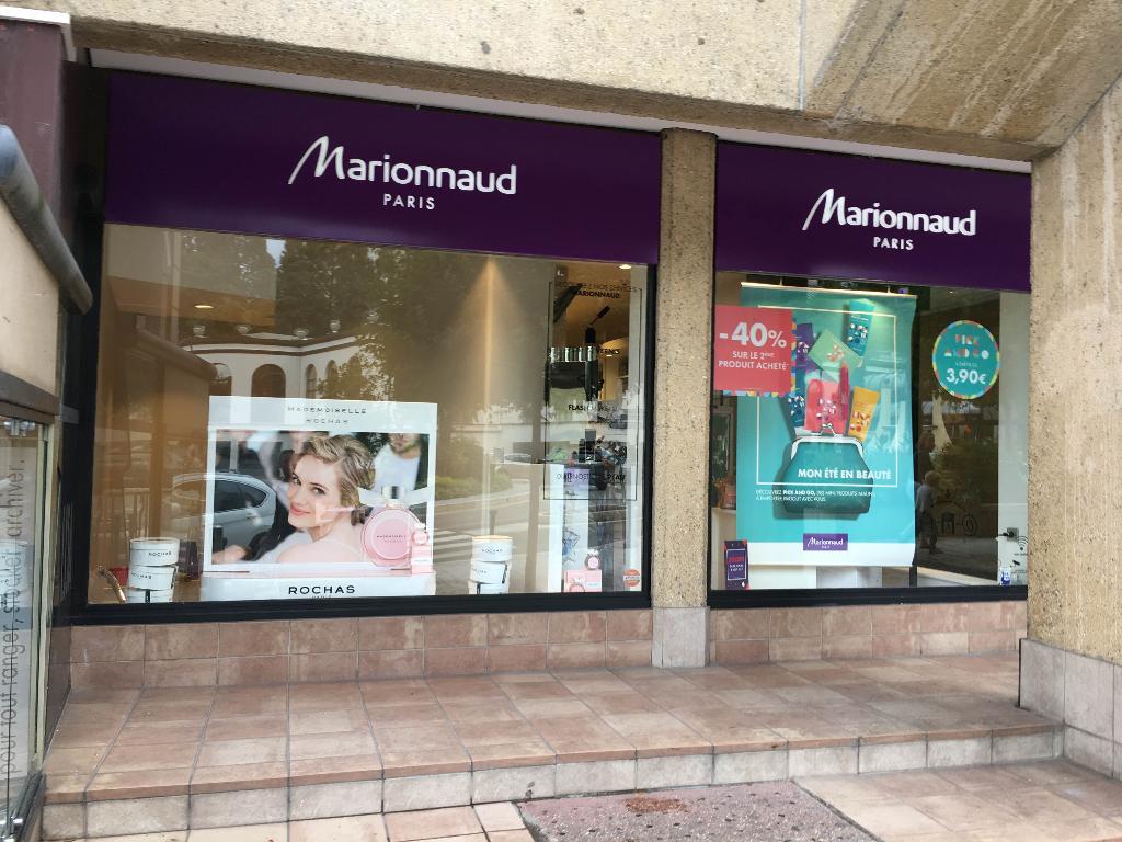 Marionnaud parfumerie parfumerie 51 rue des bains 01220 for Rue des bains