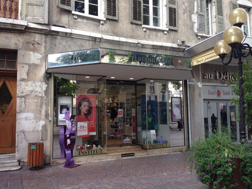 marionnaud parfumerie parfumerie 8 rue royale 74000. Black Bedroom Furniture Sets. Home Design Ideas