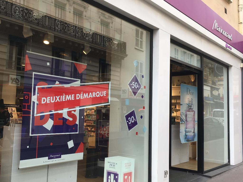 marionnaud parfumerie parfumerie 9 rue des martyrs 75009 paris adresse horaire. Black Bedroom Furniture Sets. Home Design Ideas