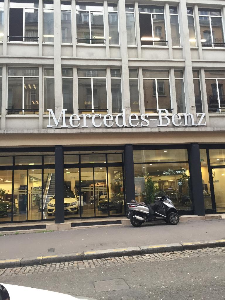 Mercedes benz longchamp garage automobile 80 rue de for Garage automobile paris 13