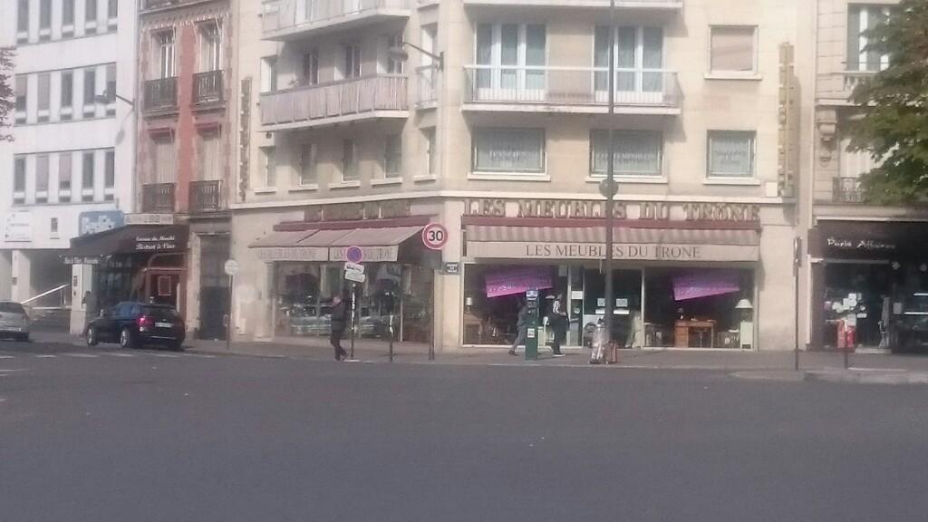 Meubles Du Trone Paris Magasin De Meubles Adresse Horaires Avis