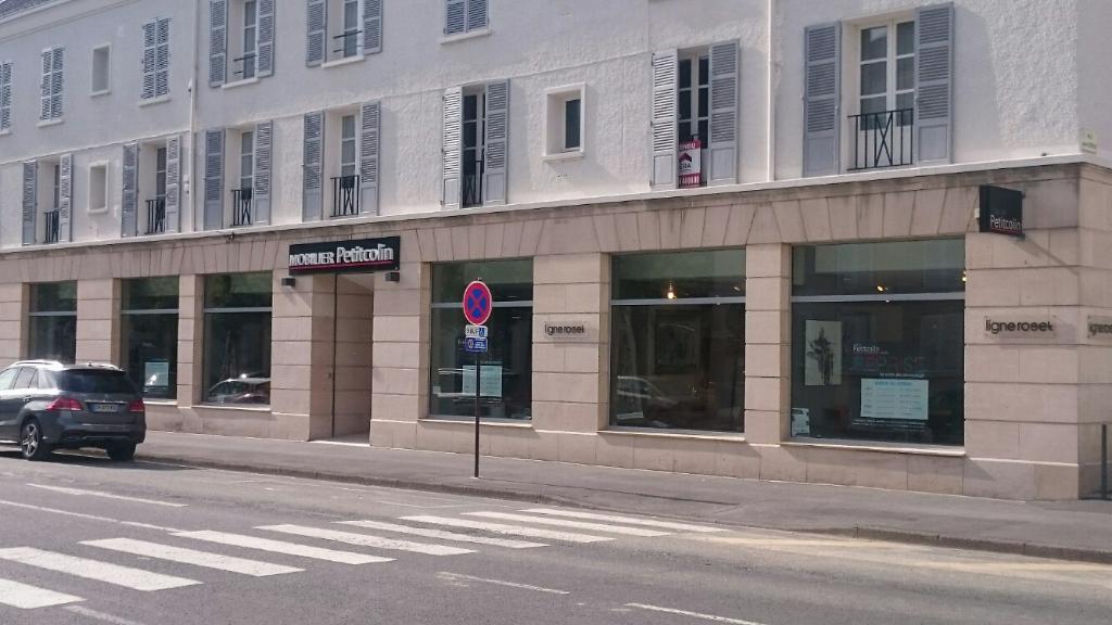 Mobilier Petitcolin  Magasin De Meubles  Rue Grande Etape