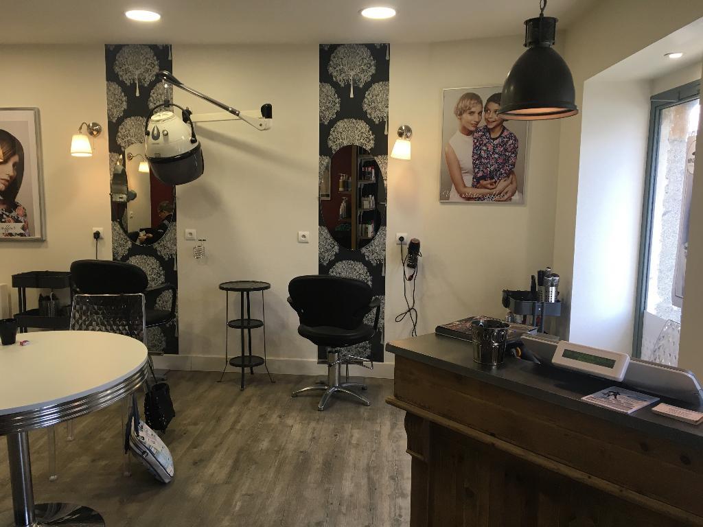 mon coiffeur ma famille exclusif coiffeur 10 rue de saint m dard 35250 saint aubin d 39 aubign. Black Bedroom Furniture Sets. Home Design Ideas