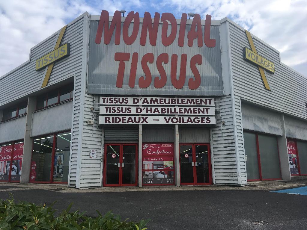 Mondial tissus tissus au m tre 64 rue jacques verniol 95370 montigny l s cormeilles adresse - Mondial tissu nantes horaires ...