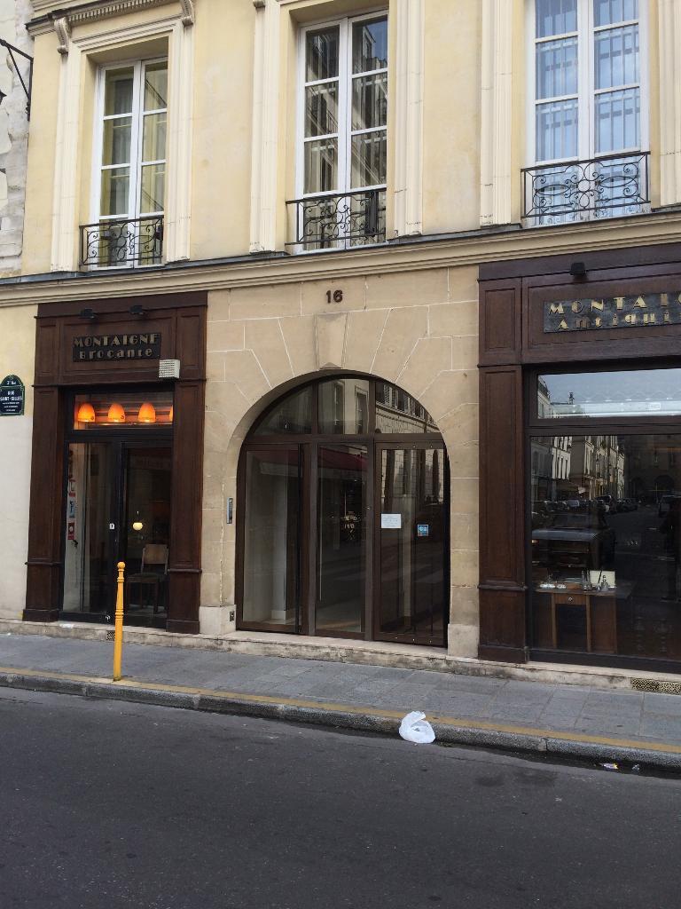 montaigne antiquit s brocante achat et vente d 39 antiquit s 16 rue saint gilles 75003 paris. Black Bedroom Furniture Sets. Home Design Ideas