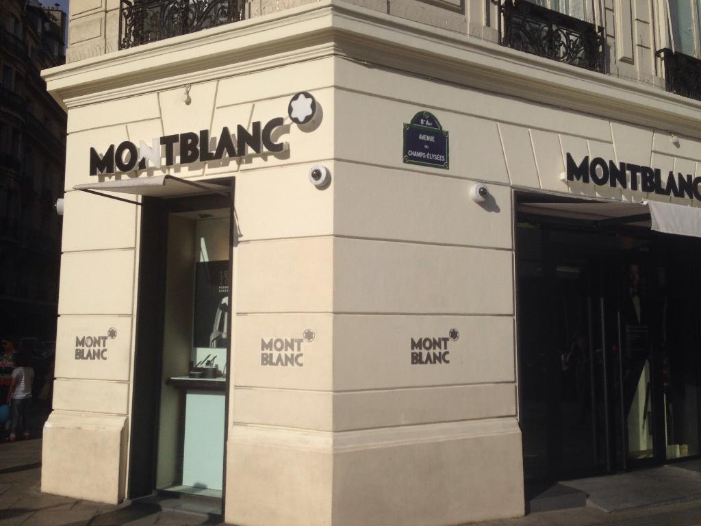 mont blanc stylo magasin paris