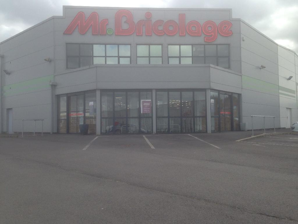 Mr bricolage bricolage et outillage zone artisanale du - Mr bricolage vichy ...