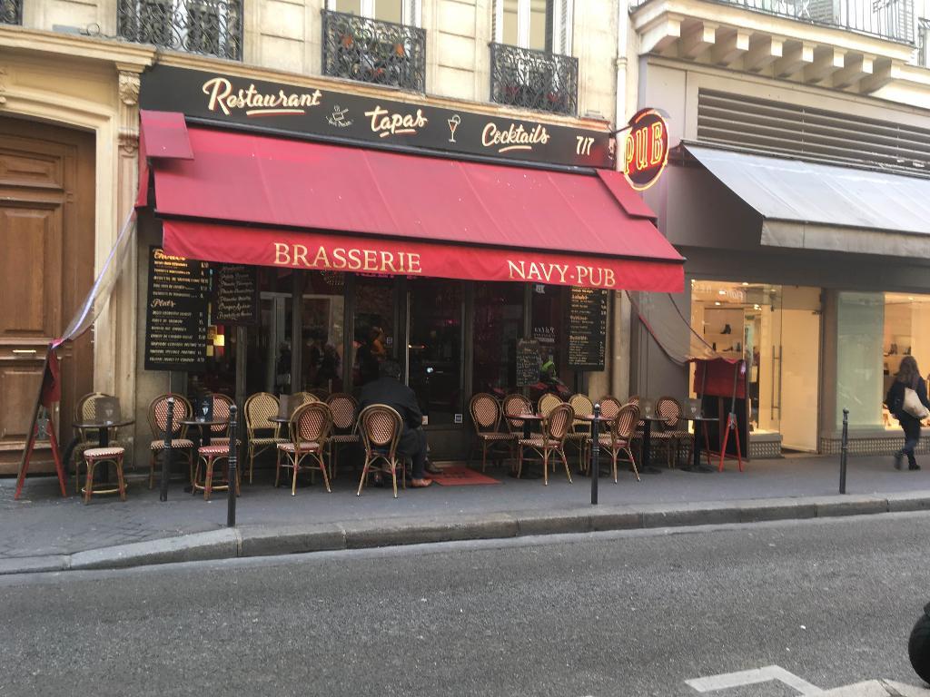 Navy pub restaurant 19 rue du colis e 75008 paris adresse horaire - Bureau de change champs elysees horaires ...