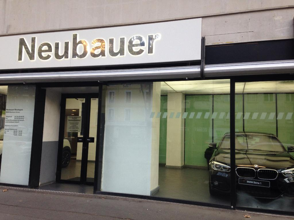 Bmw mini neubauer boulogne garage automobile 44 for Garage automobile ouvert