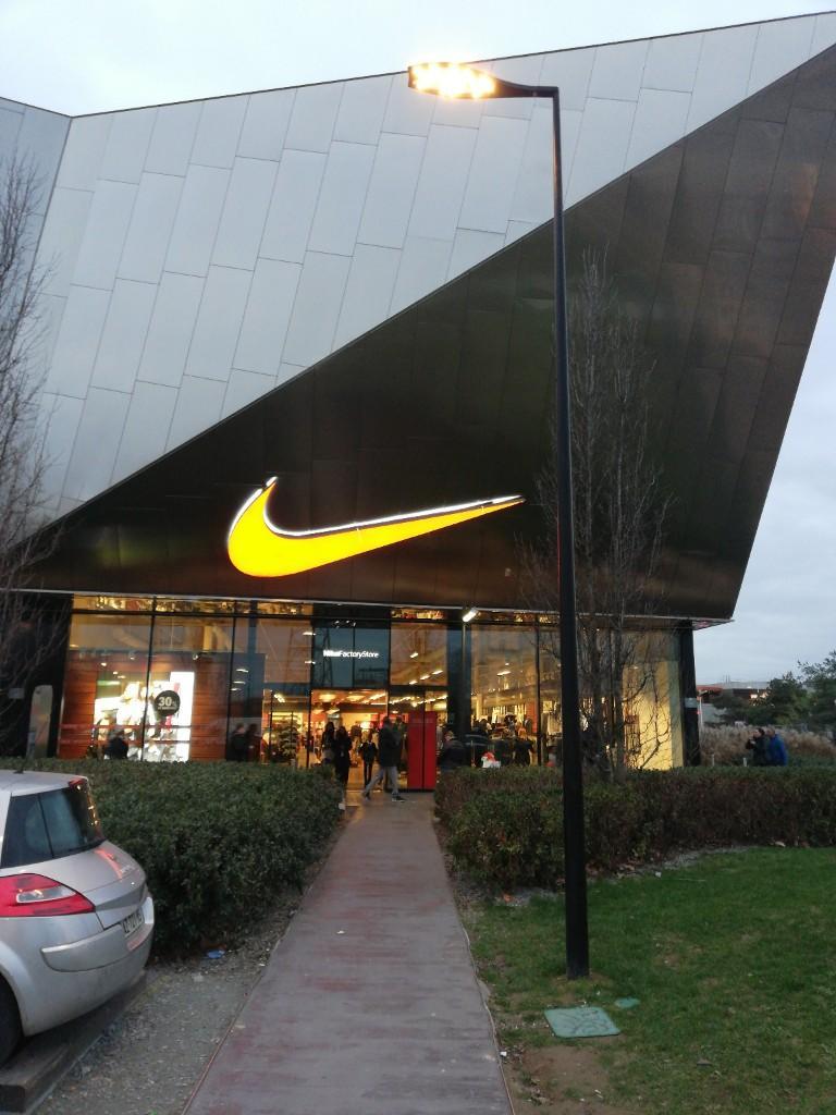 San Francisco 5cb20 95244 Nike Factory Store, 106 av Vieux Chemin de St Denis, 92230 ...