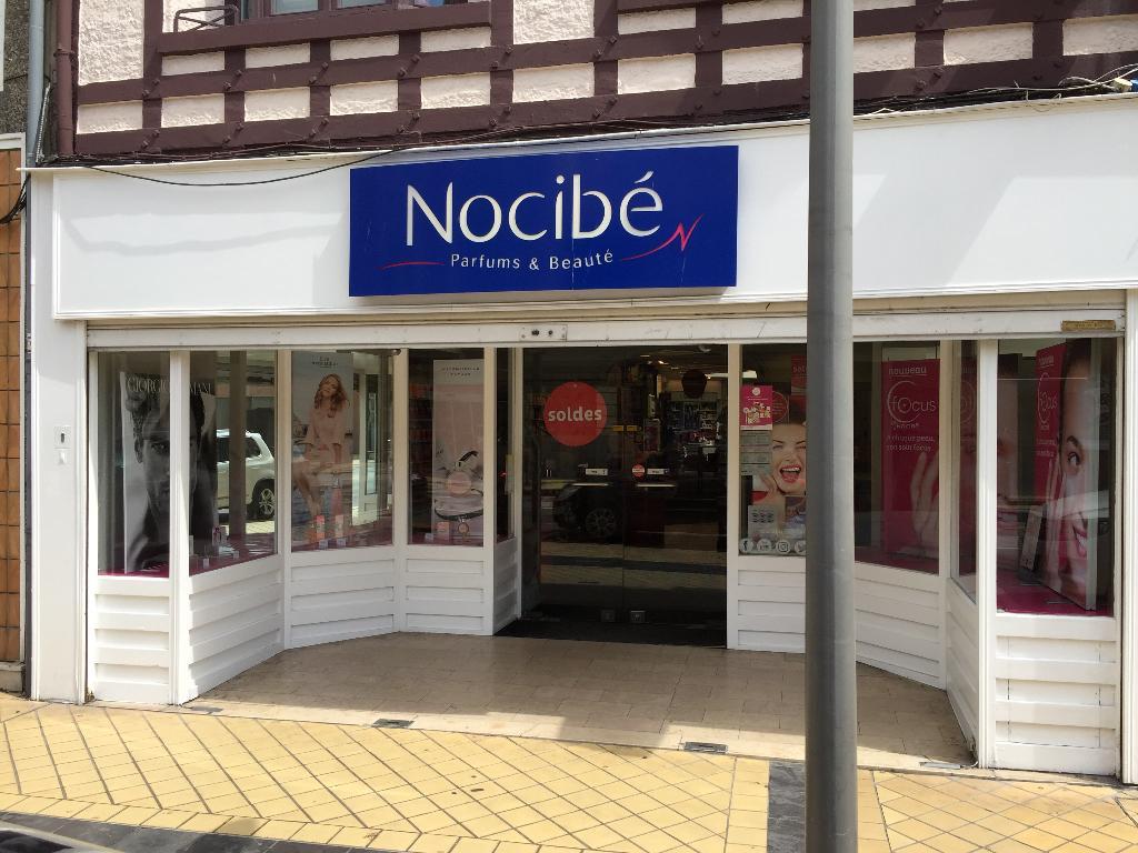 Nocib parfumerie 100 boulevard jacquard 62100 calais for Centre claude robillard piscine horaire