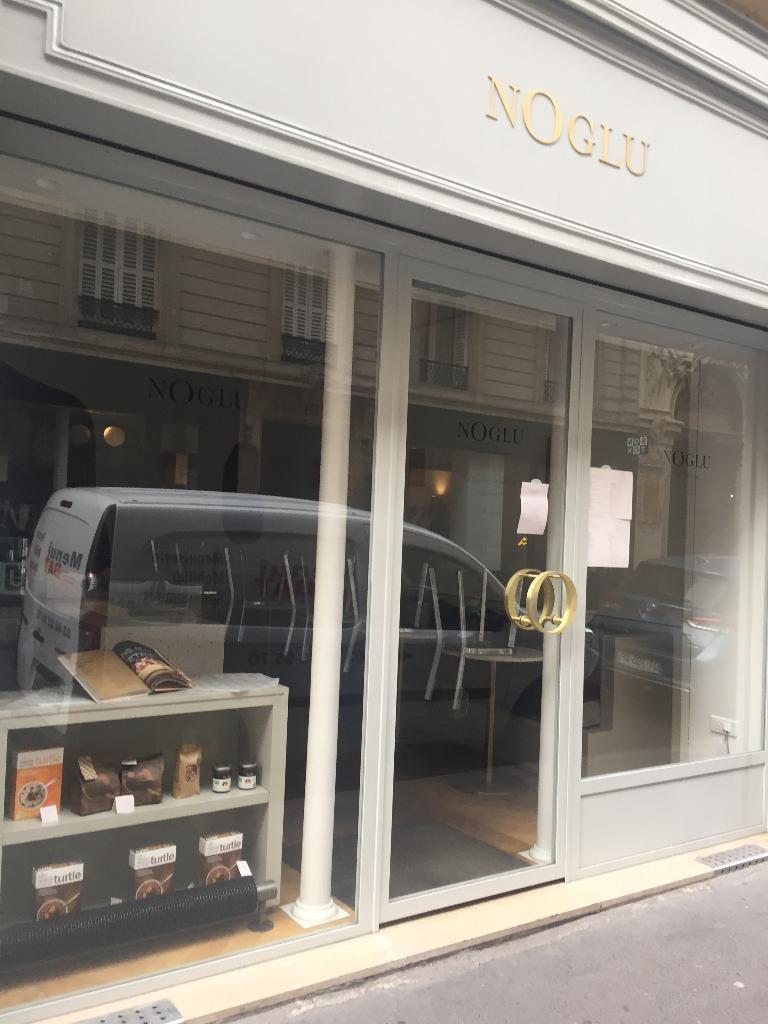 Noglu Grenelle Restaurant 69 Rue De Grenelle 75007 Paris