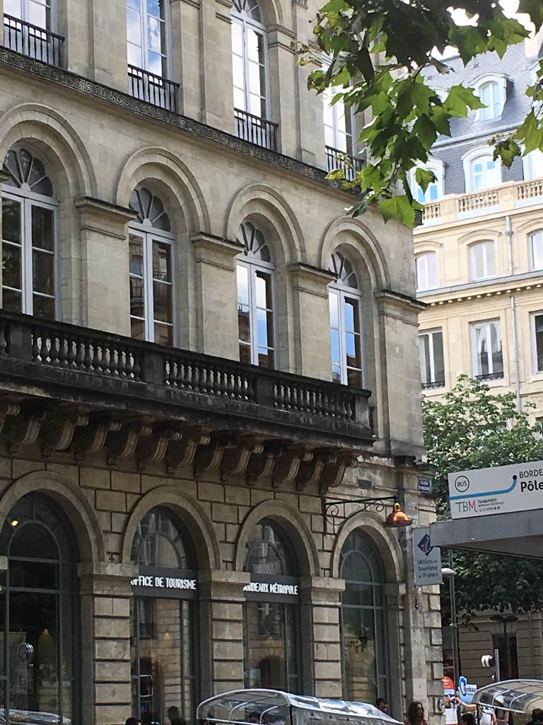Office de tourisme agence de voyages 12 cours du 30 juillet 33000 bordeaux adresse horaire - Office tourisme de bordeaux ...