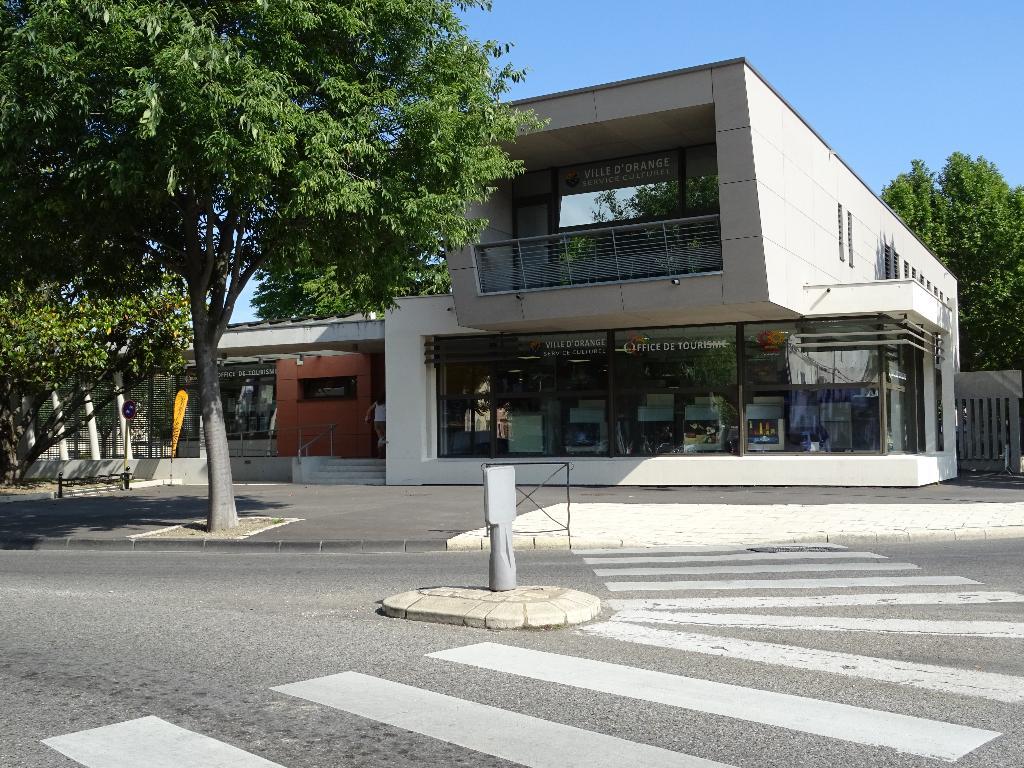 Office de tourisme d 39 orange office de tourisme et syndicat d 39 initiative 5 cours aristide - Orange office de tourisme ...