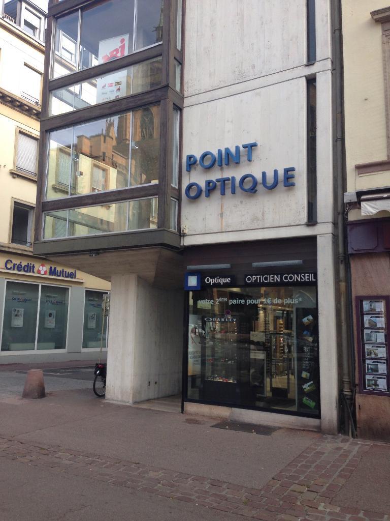 Point Optique Cathédrale. Opticien. 3 place de la Cathédrale 68000 Colmar a982495c6ef3