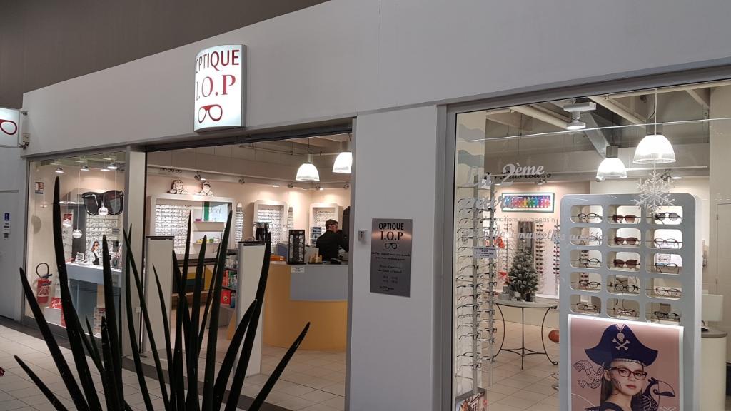 optique iop opticien avenue baulois 44380 pornichet adresse horaire. Black Bedroom Furniture Sets. Home Design Ideas