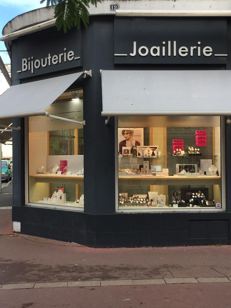 Or et passions r paration horlogerie 12 rue port 56100 - Reparation telephone lorient ...